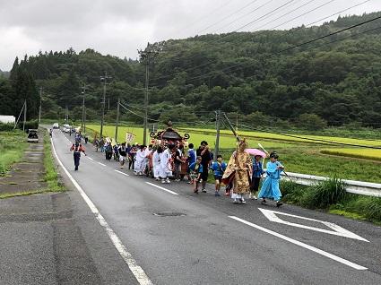 上三坂綿津海神社の例大祭�.jpg